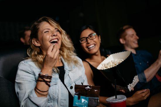 חמש סרטי הקומדיה הקלאסיים והמומלצים ביותר